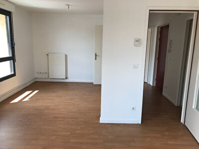 APPARTEMENT F2 - 55M2 METZ DEVANT LES PONTS - DISPONBILE AVRIL 2021 2/4